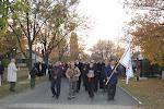 Legelöl a Váradi Biblia és a Gyülekezet zászlaja