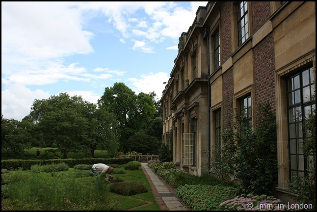 The Gardens Of Eltham Palace (10)