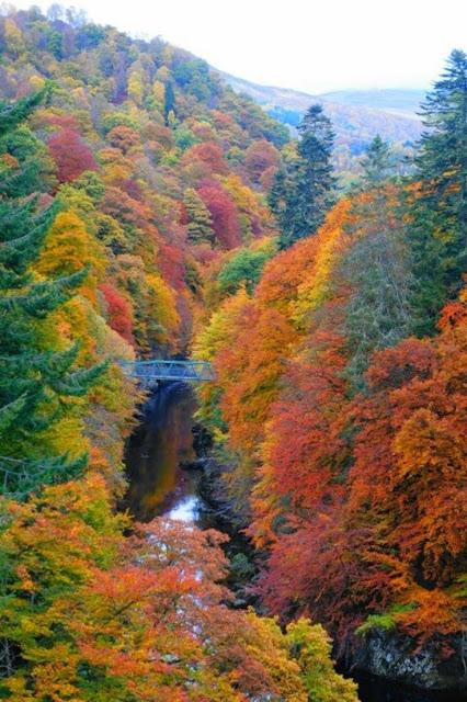 Pitlochry, Scotland - カバー