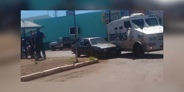 Roncador: Colisão entre Monza e carro forte na Santo Antônio
