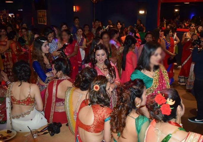 bhabhi saree back