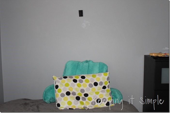 DIY-headboard-Made-from-a-door (5)