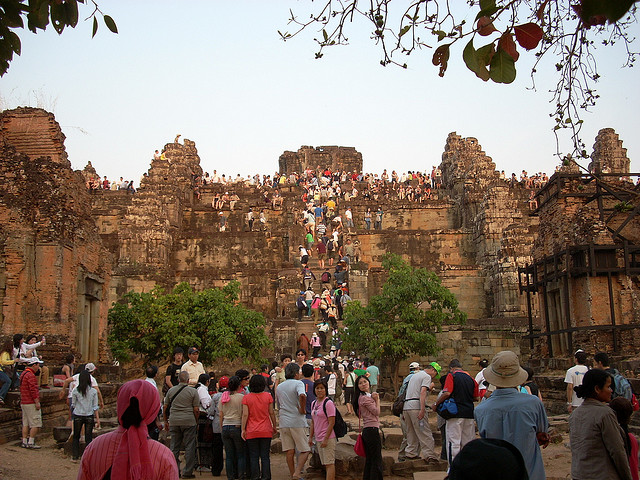 Experts to meet on safeguarding Angkor site