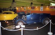1984.02.16-047.29 Ford A 1929 et Aronde customisées