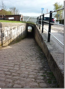 3 horse tunnel newcastle road lock stone
