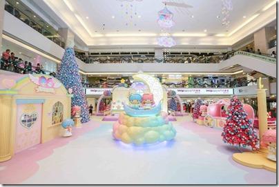 Xmas Decor in HK 2015 TMT Plaza 屯門市廣場 Little Twin Stars希臘神殿 (Photo taken from Elle.hk)