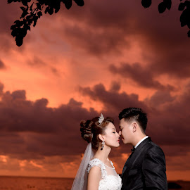 sunset by Chew Liang - Wedding Bride & Groom ( love, wedding, sunset, beach, bride and groom )