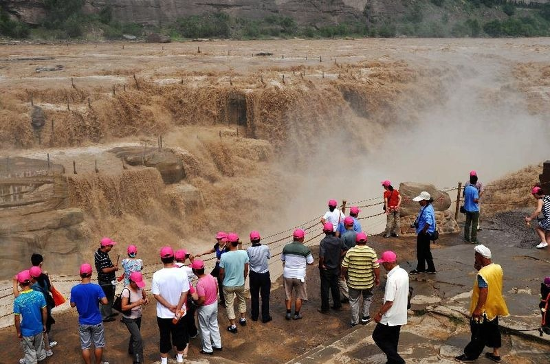 hukou-waterfall-2