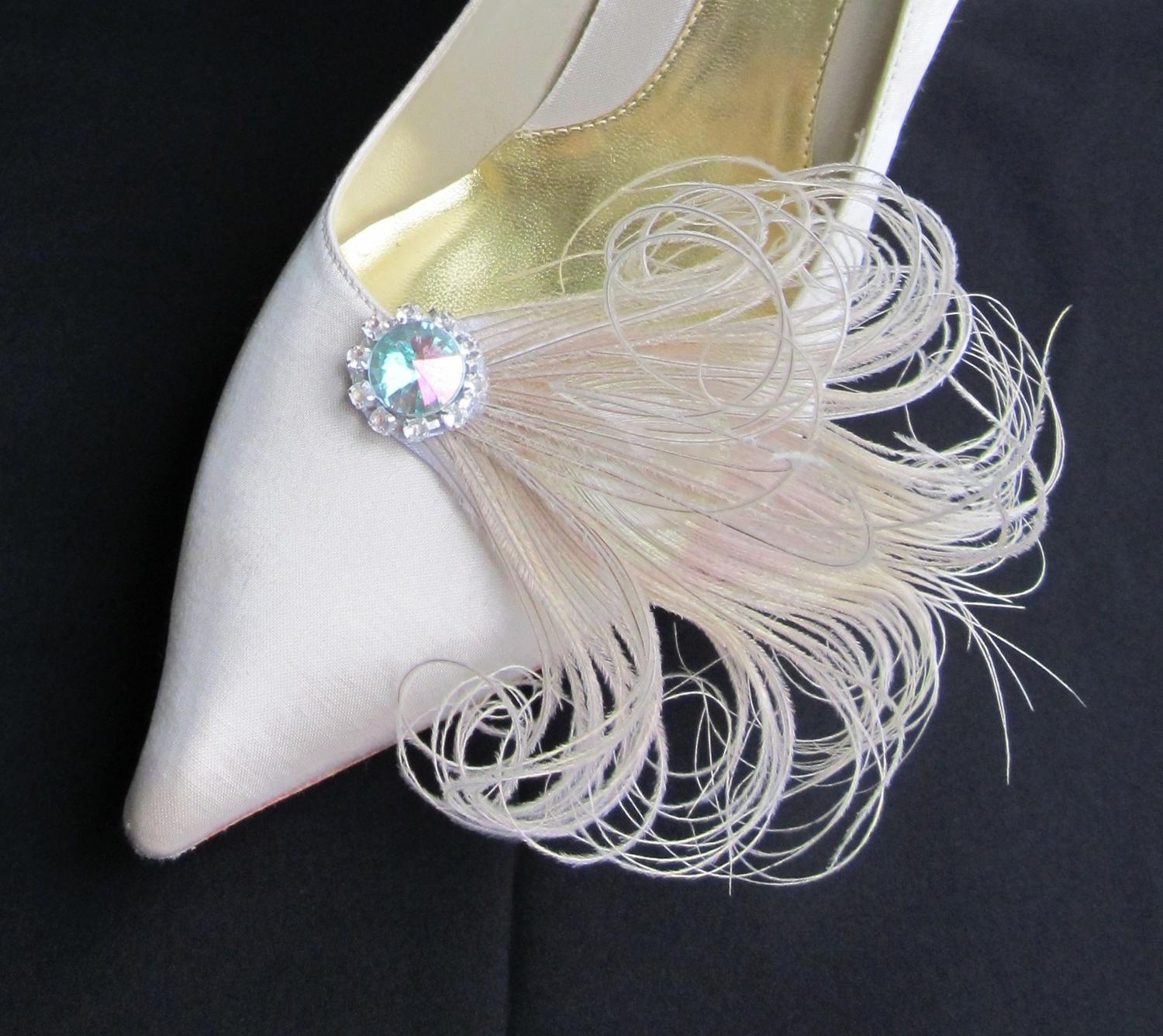 Ivory Peacock Feathers Wedding Shoe Clips. From Chuletindesigns