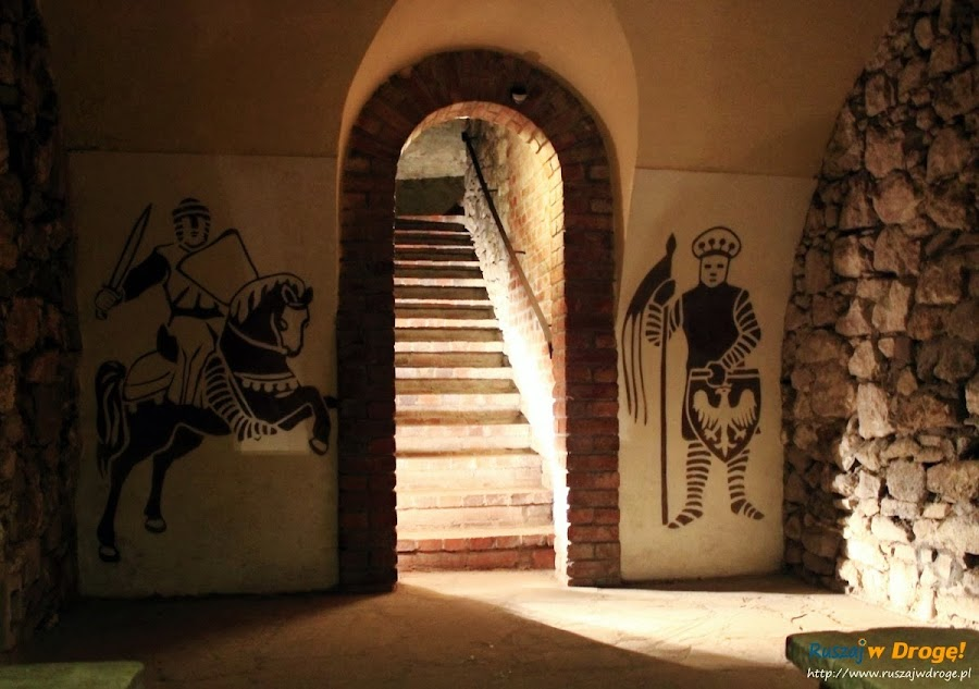 Sandomierz malowidła na podziemnej trasie turystycznej