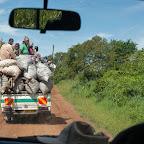 Lastwagen auf der Landstraßen in Uganda © Foto: Marco Penzel   Outback Africa