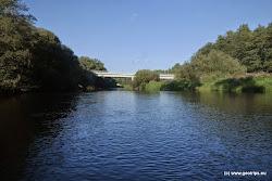 Citice most,  vlevo možnosti stravování, nákupní možnosti, kostel, železniční stanice 400m.