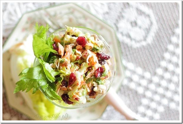 Przy Dużym Stole: Letnia sałatka z sałatą Little Gem, kiełkami i żurawiną