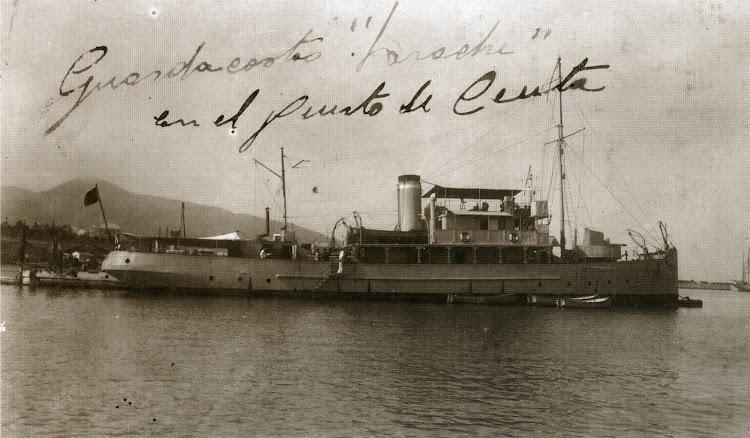 El LARACHE en el puerto de Ceuta. Fecha indeterminada. Del libro La Memoria del Viento.jpg