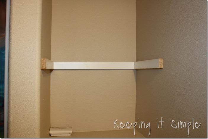 DIY-Shelves-For-A-Small-Bathroom (6)