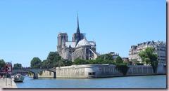Paris_Ile-de-la-Cite_Notre-Dame_von_Osten