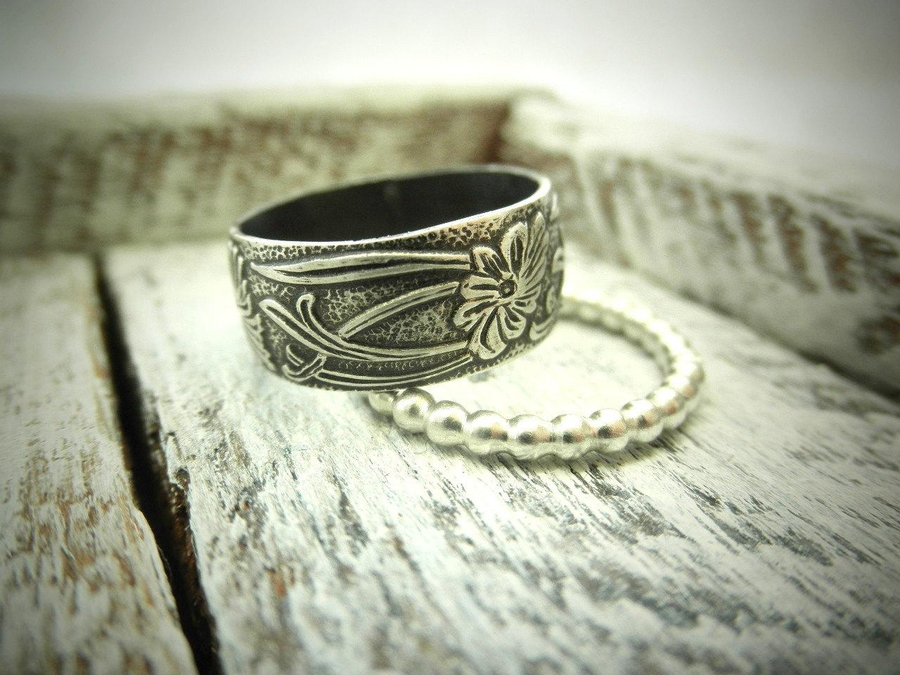 Classic Wedding Band Set