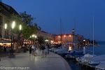 Abends an der Seepromenade in Saló / Вечером на набережной в СалО