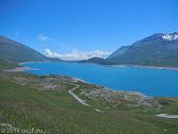 Hoch zum Col du Mont Cenis. Blick zurück über den Lac du Mont Cenis.