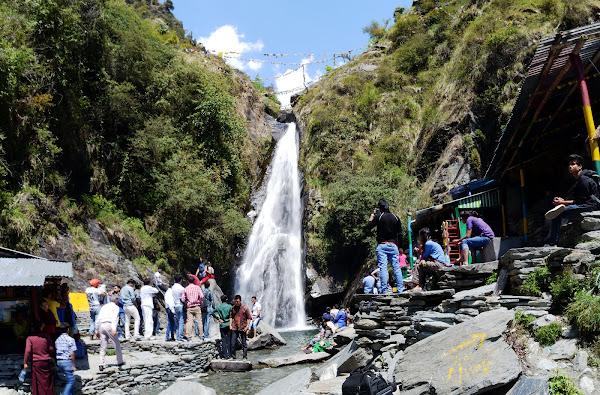 водопад бхагсу