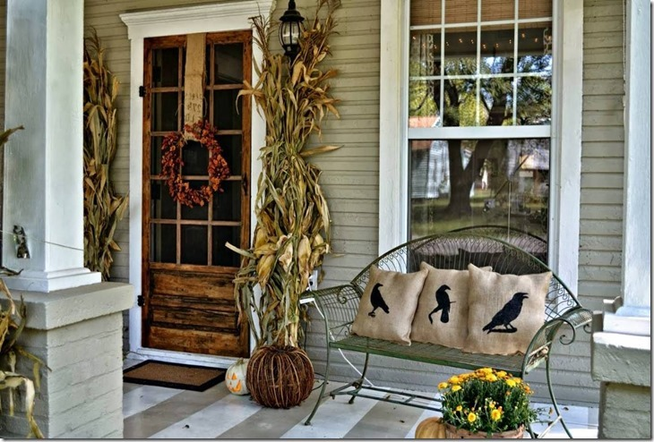fall-front-porch-decorating-ideas_thumb[5]