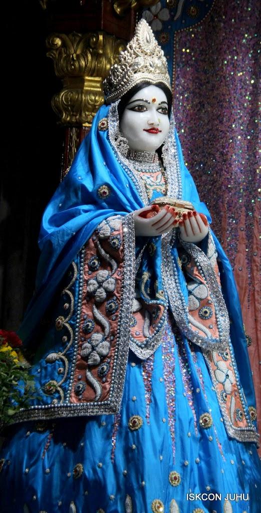 ISKCON Juhu Mangal Deity Darshan 11 Feb 16 (14)