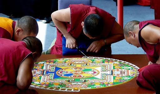 Sand Mandala: The Tibetan Art of Intricate Sand Paintings ...