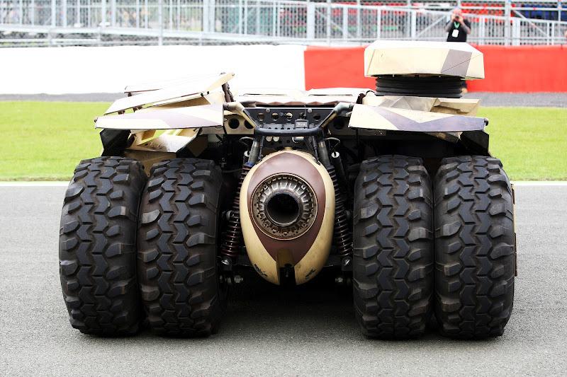 бэтмобиль The Dark Knight Rises на Гран-при Великобритании 2012