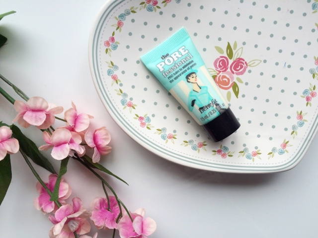 primers for oily skin, the best primers for oily skin, Benefit POREfessional review, The Body Shop InstaBlur review, Topshop Airbrush primer review,