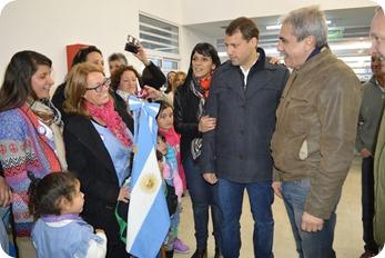 Juan Pablo de Jesús y Aníbal Fernández junto a docentes