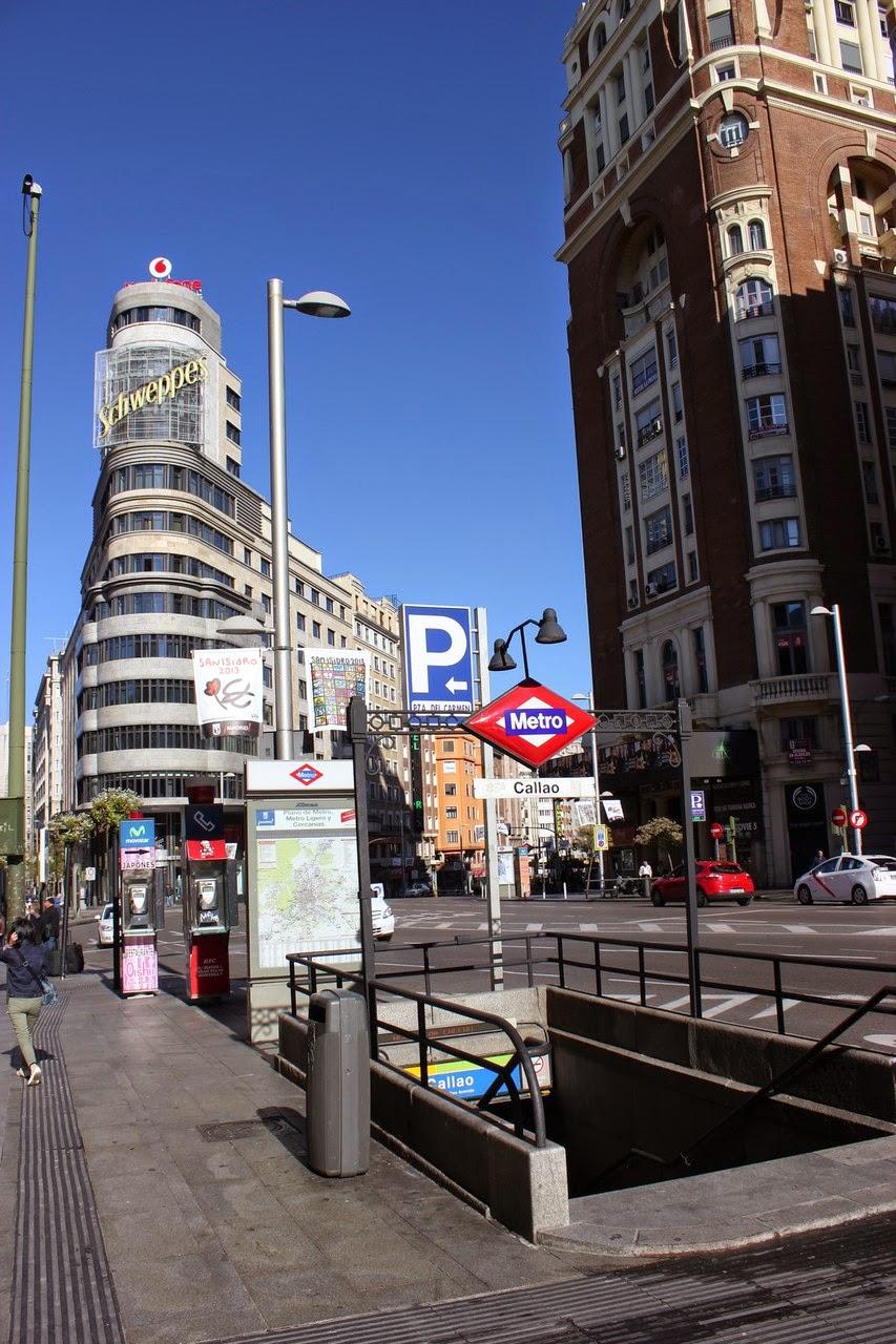 Puerta del sol plaza mayor plaza de oriente plaza for Gran via puerta del sol