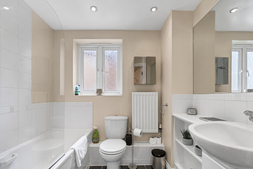 1 bedroom, one bathroom