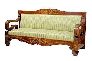 Антикварный диван красного дерева. 19-й век. 195/64/99 см. 6900 евро.