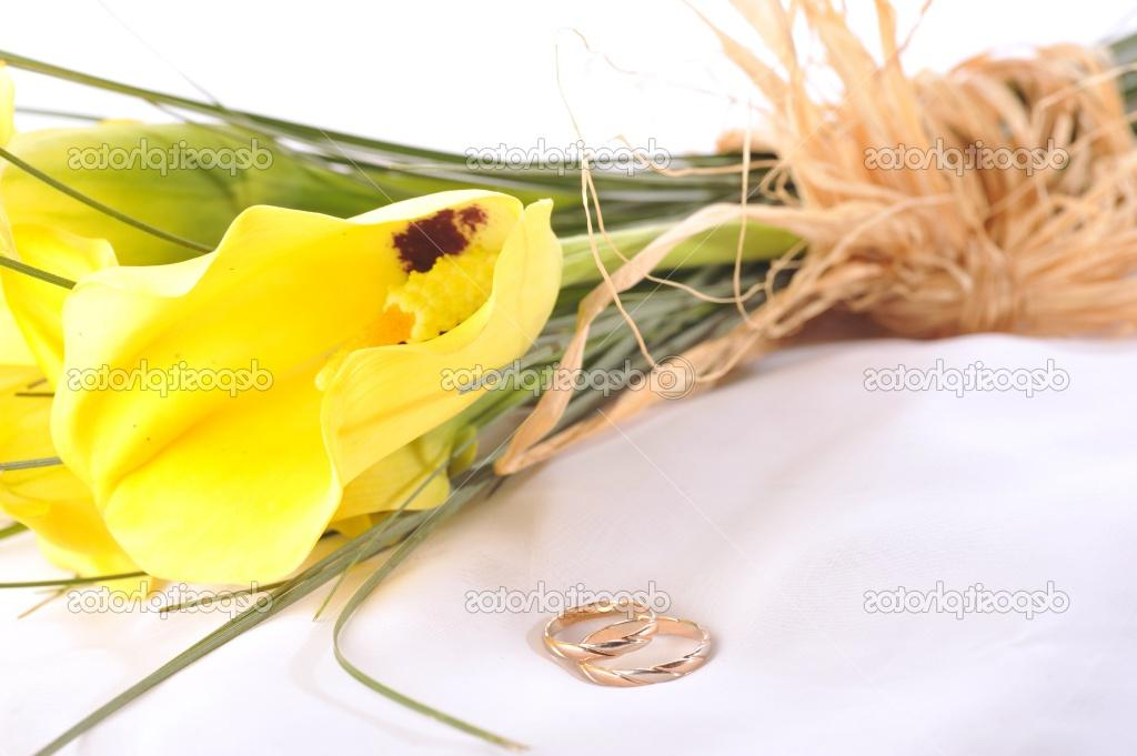 yellow calla lilies and