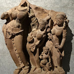 Divinité fluviale (Yamunâ ?). Madhya Pradesh ou Rajasthan (?). 8e s. - 9e s. Grès. MA 2866.