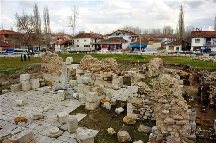 Near East: Turkish district to be moved for ancient city