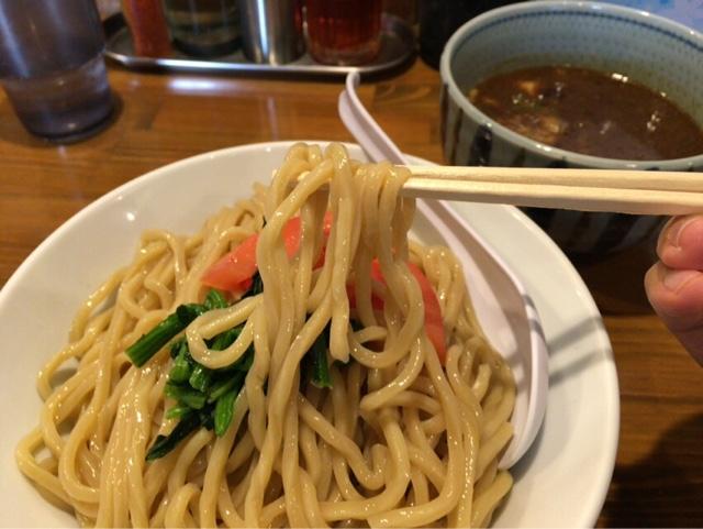 蕃茄 濃厚つけ麺 麺アップ