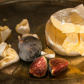 Figs & cheese by Mariana Visser - Food & Drink Plated Food