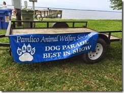Oriental dog parade sign