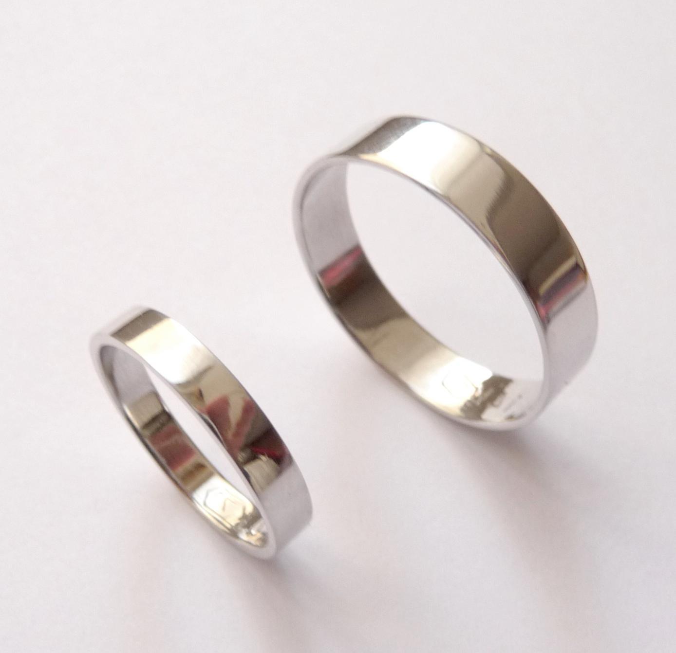 White gold wedding bands set