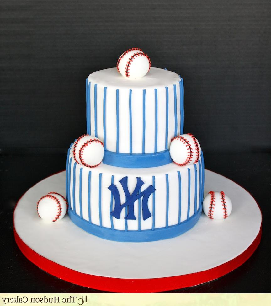 simple NY Yankees cake for