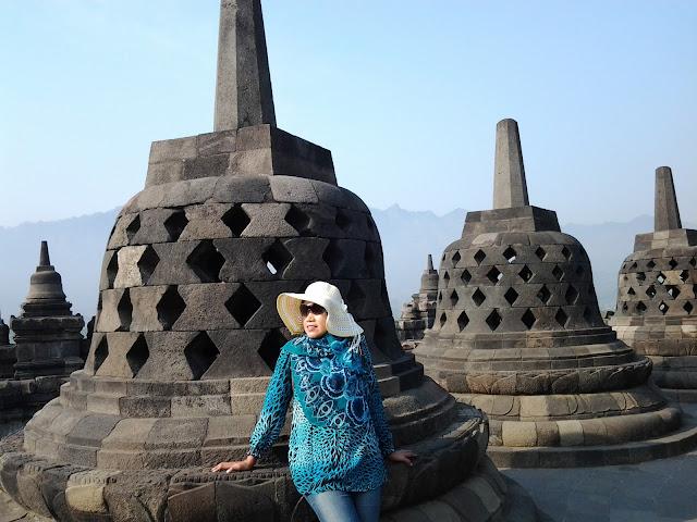Percutian ke Yogjakarta. Tempat Menarik di Yogjakarta - Borobudur Temple