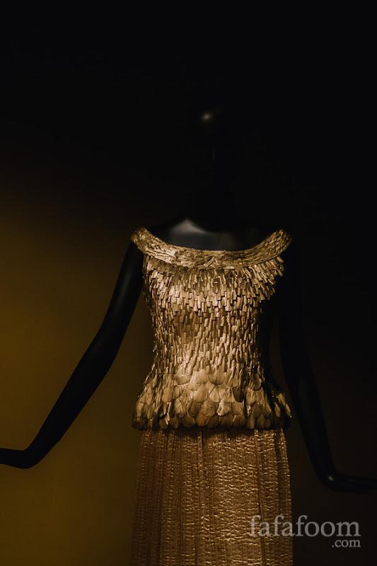 Oscar de la Renta for Pierre Balmain, Evening dress, Autumn/Winter 2002 - 2003.