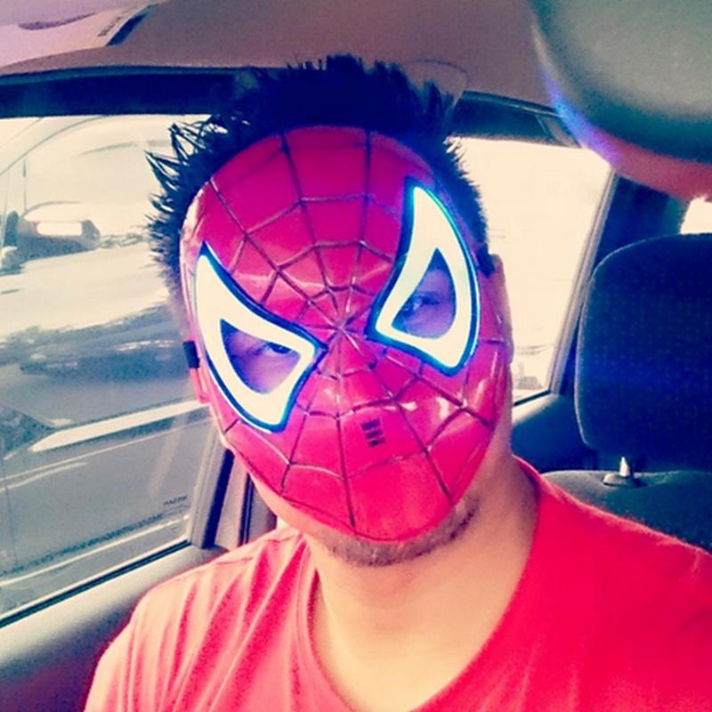 Kenapa aku beli topeng SPIDERMAN ?