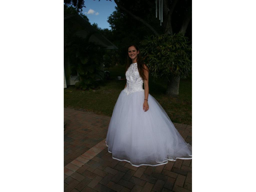 Demetrios Size 10   Used Wedding Dresses   PreOwnedWeddingDresses.com