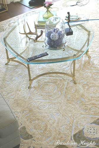 Labarge hoof foot table and Korhani rug