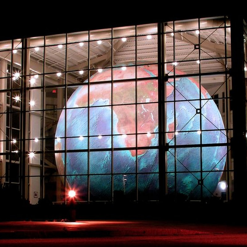 Eartha: World's Largest Rotating Globe