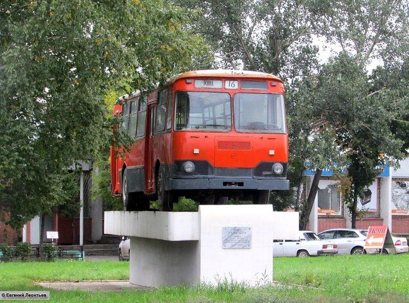 liaz-677-monument-3