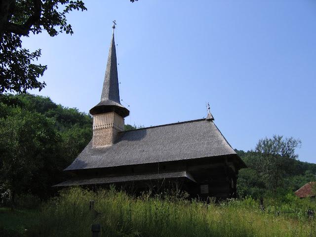 Mooi houten kerkje