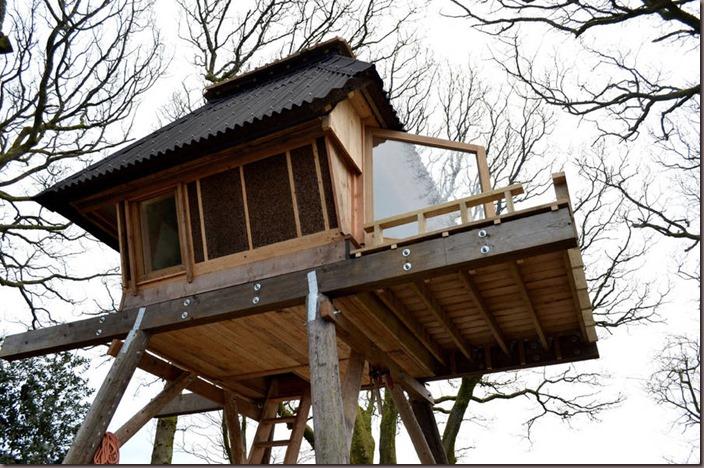 woodenhut4-900x596